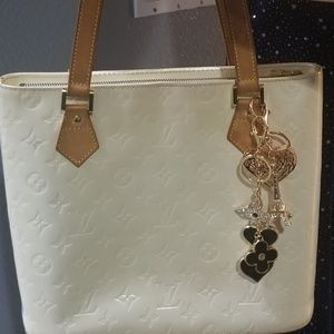 Authentic Louis Vuitton pearl white vernis bag